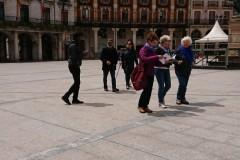 quelques pèlerins sur la Plaza Mayor de Burgos